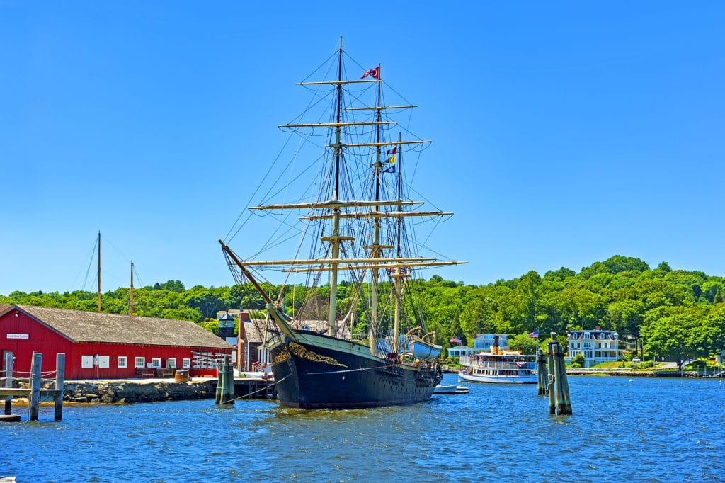 10 of the Best Things to do in Mystic CT This Fall